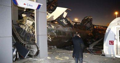 Ankara-Konya Seferini Yapan Yüksek Hızlı Tren, Kılavuz Trenle Çarpıştı: 4 Ölü, 43 Yaralı