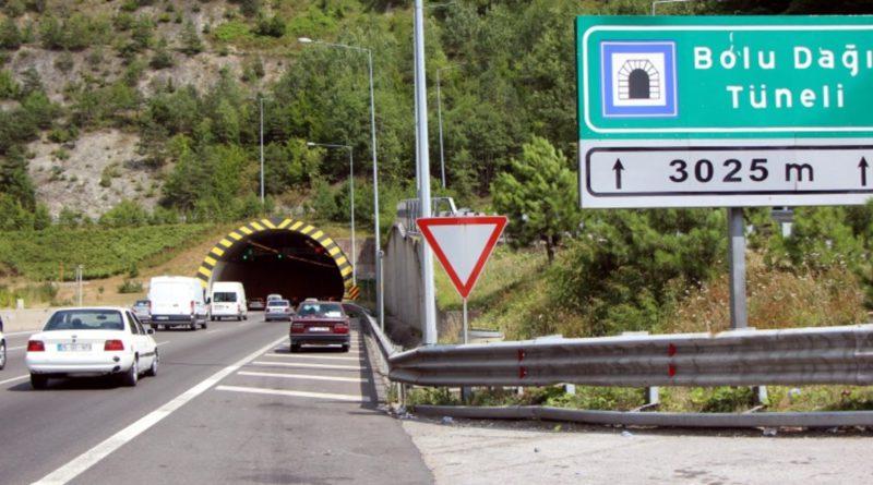 TEM Otoyolu Bolu Dağı Geçişi Ankara Istikameti Ulaşıma Kapatıldı.