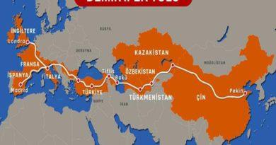 Bakan Karaismailoğlu, Türkiye'den Çin'e Hareket Edecek Olan Ilk Ihracat Trenini İstanbul Marmaray Geçişinden Uğurladı.