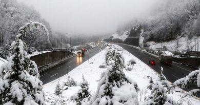 Bolu Dağında Kar Yağışı Etkili Oluyor.
