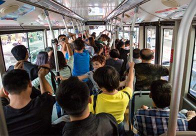 İstanbul'da Toplu Ulaşım Araçlarında 65 Yaş üstü Ve 20 Yaş Altı,seyahat Yasağı Kaldırıldı.